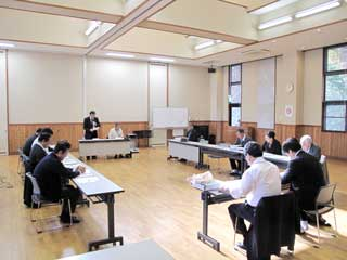 4 roundtable · People · work Shinkansen Generation Comprehensive Strategy Evaluation Committee