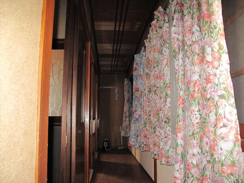 【2F】 Hallway _ R