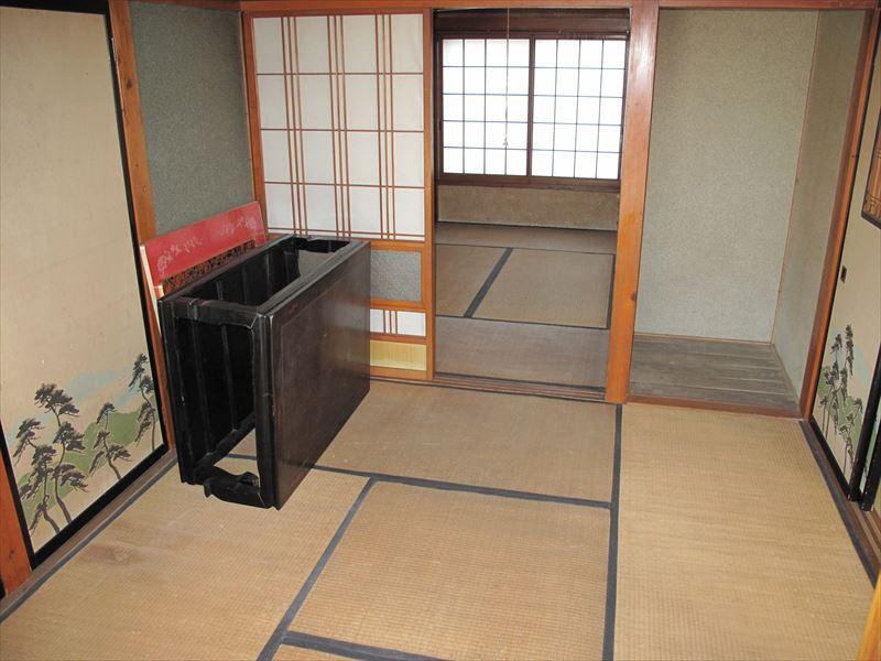 【1F】前台:日本室4.5奧奧:日式6冊_R